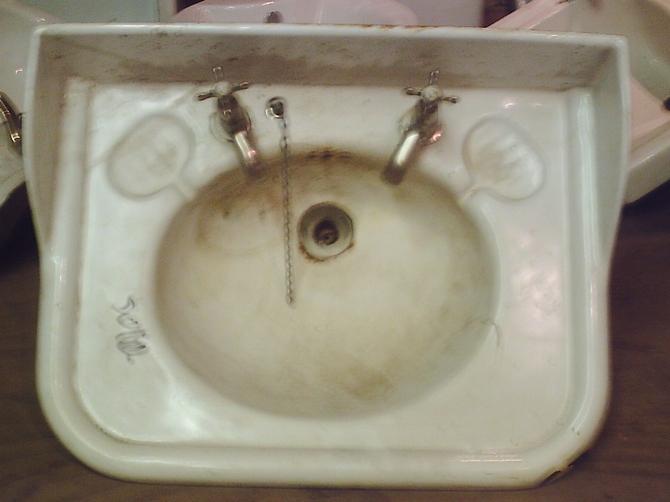 Victorian cast iron enamel sink for Cast iron sink manufacturers