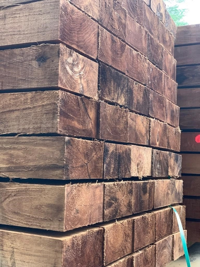 Brown Treated Hardwood Sleepers 200 x 100 x 2.4m