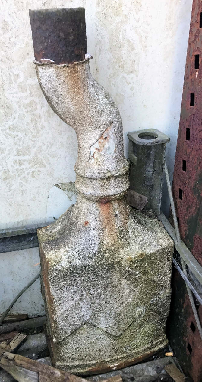Reclaimed Large cast iron rainwater hopper