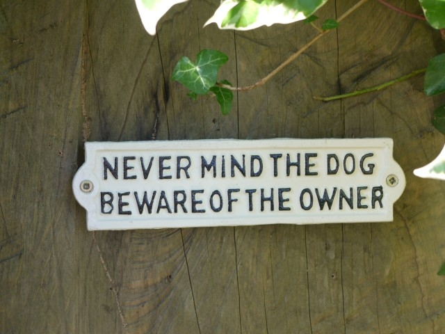 Sign - Never Mind The Dog (White) 285