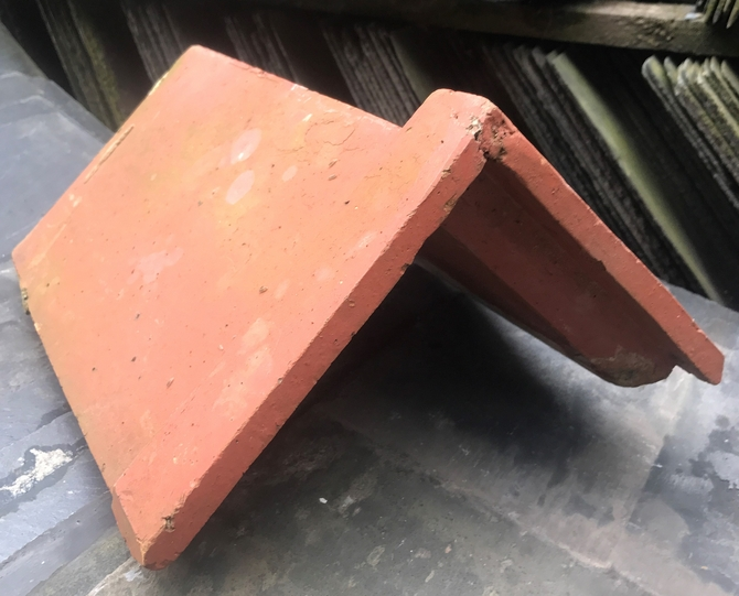 Reclaimed Interlocking Ridge Tile
