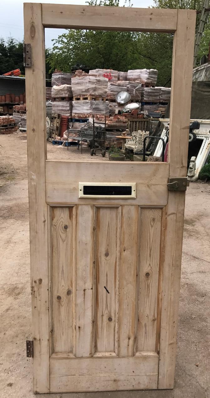 CLASSIC 1900s FRONT DOOR Ref 002