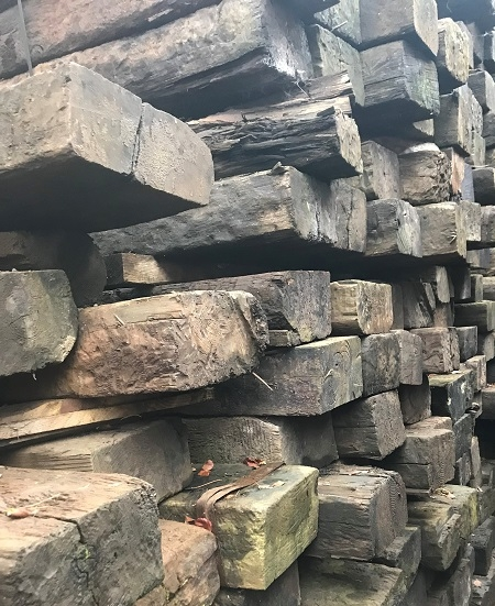 RECLAIMED RAILWAY SLEEPERS - GRADE C