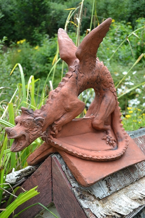Small Angled Brighton Dragon Finial