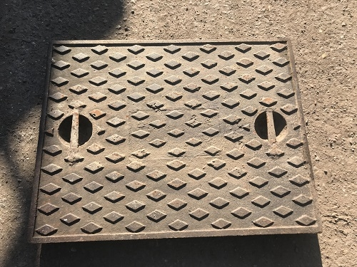 Salvaged Cast Iron Manhole/Inspection Cover 667 x 518