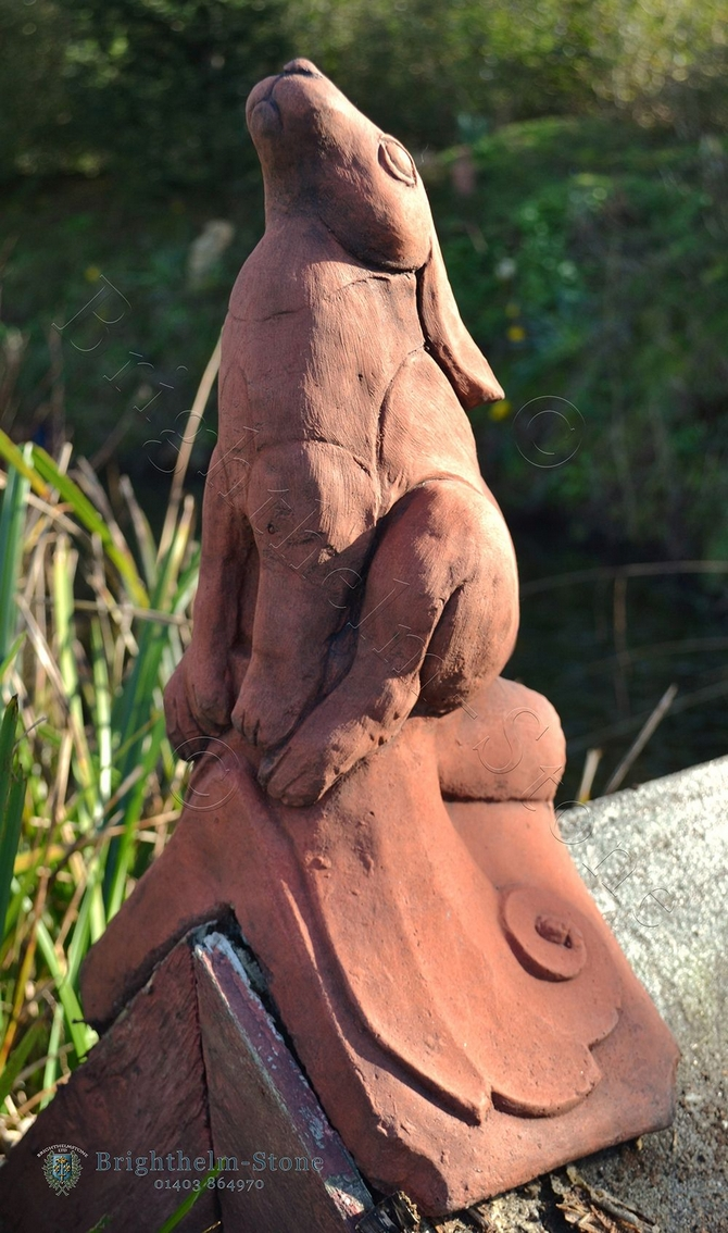 Moon Gazing Hare roof finial angled ridge tile