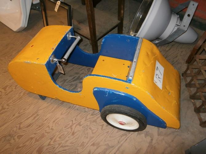 VINTAGE WOODEN CAROUSEL CAR AR07