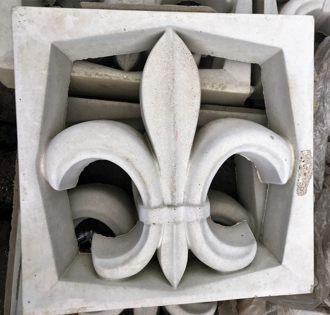 Reclaimed Fleur De Lys balustrade concrete blocks