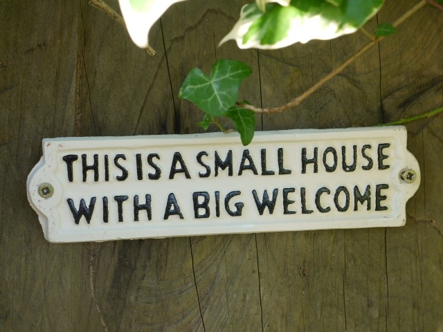 Sign-This Is A Small House (White) 2852