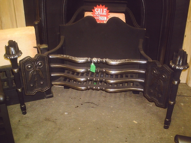 Fire Basket with Ornate Finial Legs & Fireback AR570