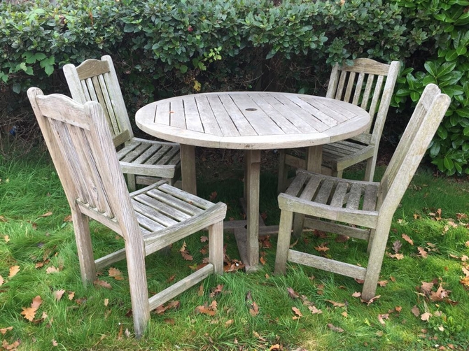 Round Teak Table Set with 4 chairs
