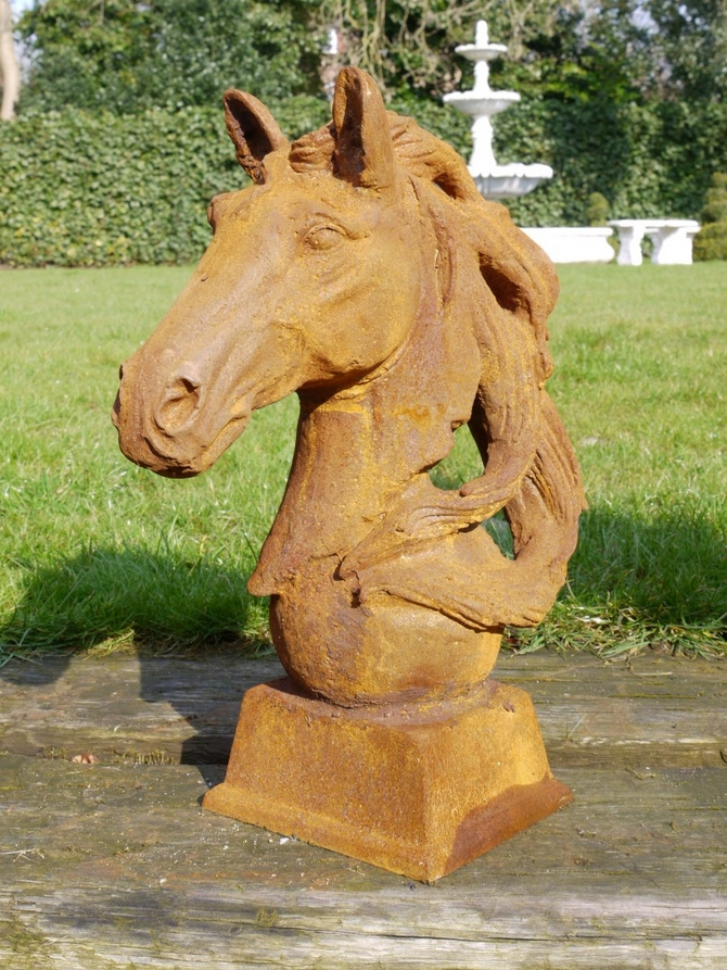 Horse Head (Small-Hair Right) Sold