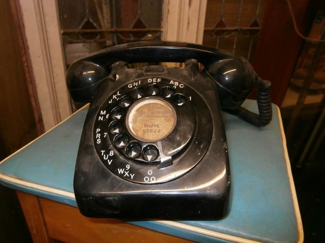 BAKELITE TELEPHONE BLACK