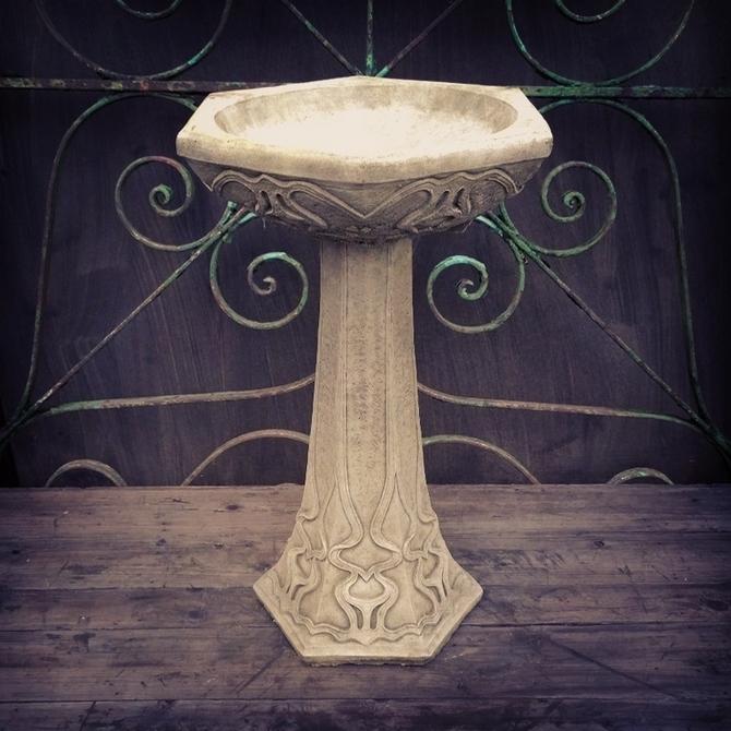 Art Nouveau Birdbath