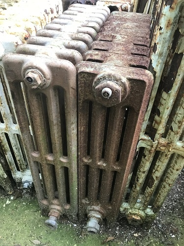 RECLAIMED 4 BAR RADIATOR