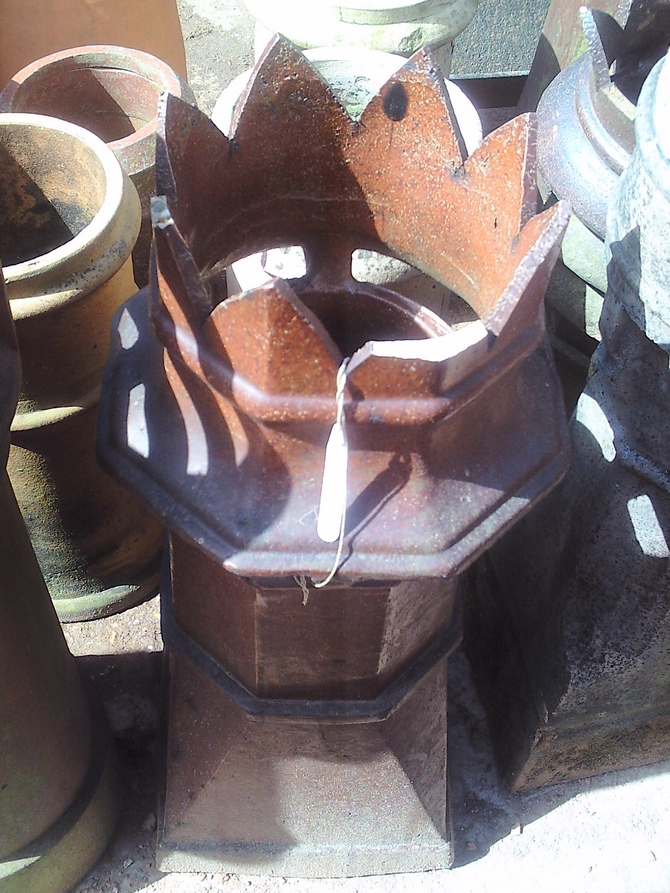 Square Base Crown Top Chimney Pot