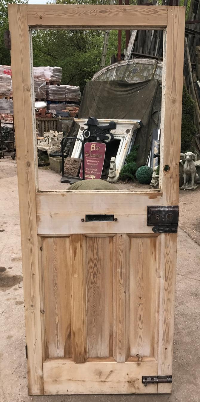 CLASSIC 1900s FRONT DOOR Ref 003