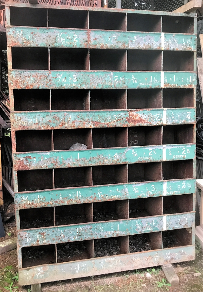 VINTAGE INDUSTRIAL METAL 35 PIGEON HOLE CABINET STORAGE SHELVES