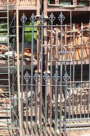Cast Iron Gate AR344