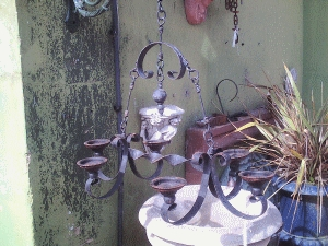 Hanging Cast Iron Candle Holder AR470