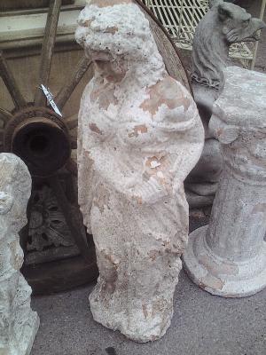 Terracotta Statue AR484