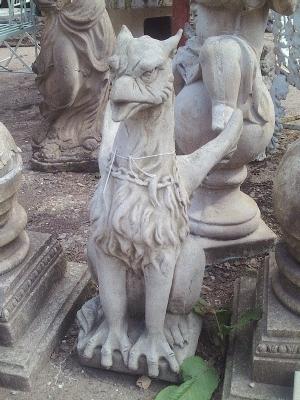 Griffin Statue AR499